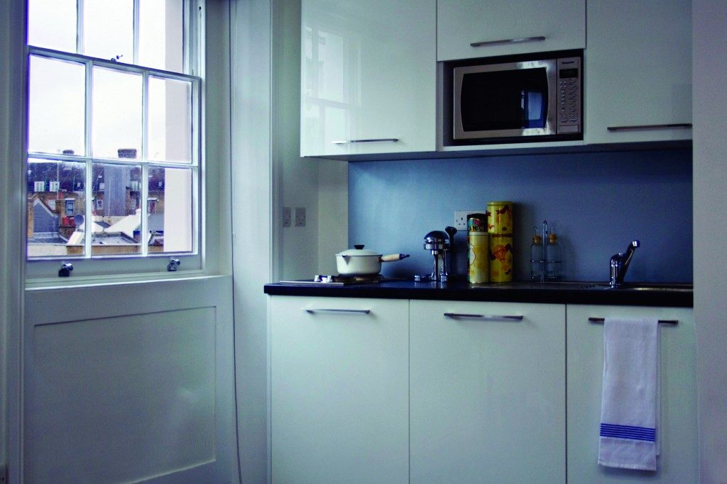 Hurdwick Place - Superior Galley white gloss (3)