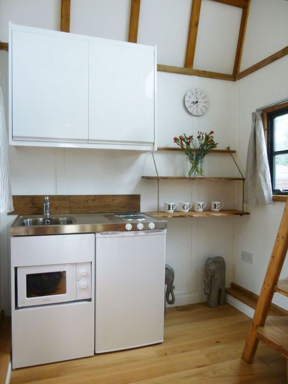 tiny-house-uk-mini-kitchen